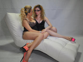 Picture of the sexy profile of SapphicBlondes, for a very hot webcam live show !