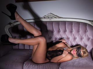 NynaShane naked cam