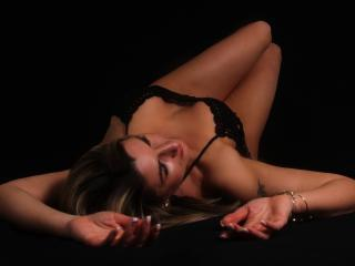 Webcam model Allexxa from XLoveCam
