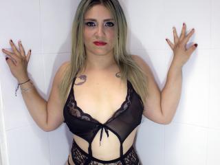 DannieParis pleasure naked
