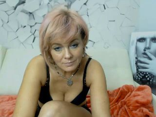 Webcam model FlameLadyX from XLoveCam