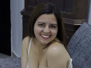 Webcam model HollySummers from XLoveCam