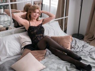 Webcam model IrenaSex from XLoveCam