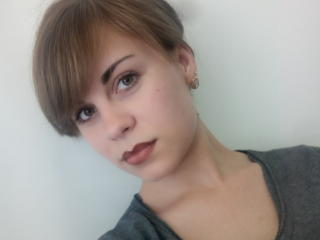 Webcam model KatieOSoft from XLoveCam