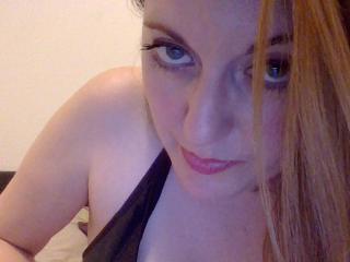 LaChtiLoveuse striptease naked