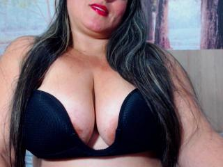 SaraFetishBbw webcam