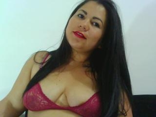 TaniaBootyX webcam