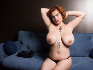 Webcam model MelissaRiley from XLoveCam