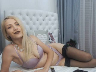 Webcam model AnabelLuw from XLoveCam
