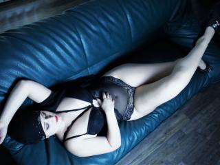 Asira - Chat cam exciting with this amber hair Sexy babes